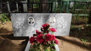 Двойные и тройные (семейные) памятники: преимущества и недостатки