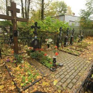 Как сделать подзахоронение в родственную могилу