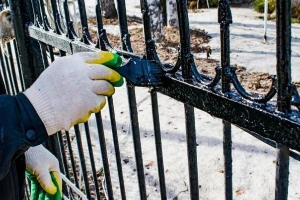 Как ухаживать за ограждением на кладбище