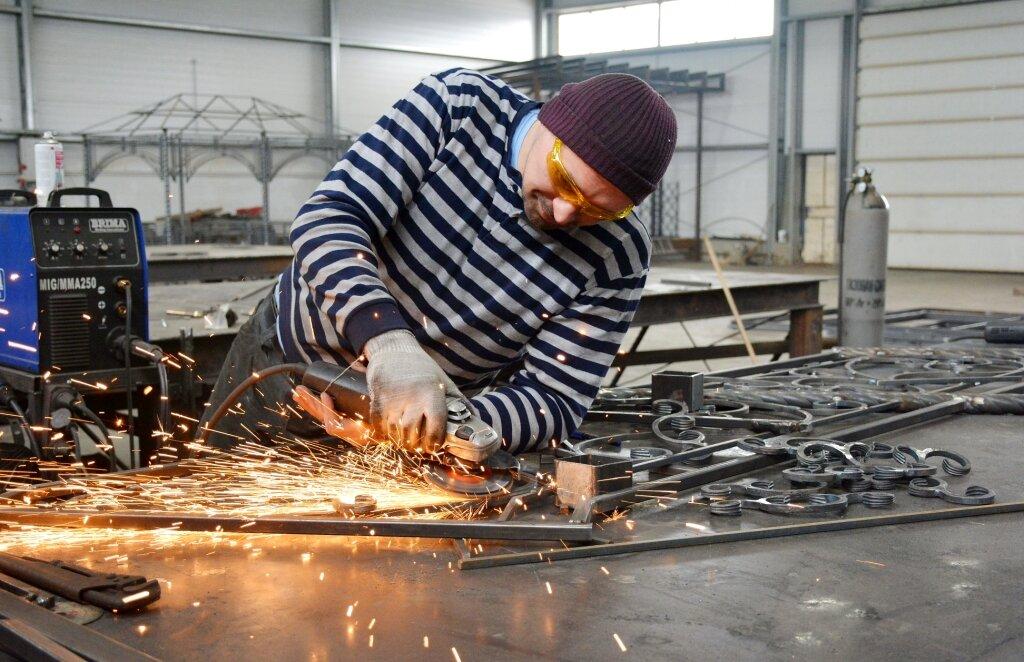 Изготовление-кованых-оград