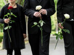 Как правильно одеться на похороны женщине и мужчине